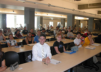 2005: Students during the first CogSci lecture in the newly constructed KL building (Yoshimi). Sometimes library patrons, not in the class, would stop and listen.